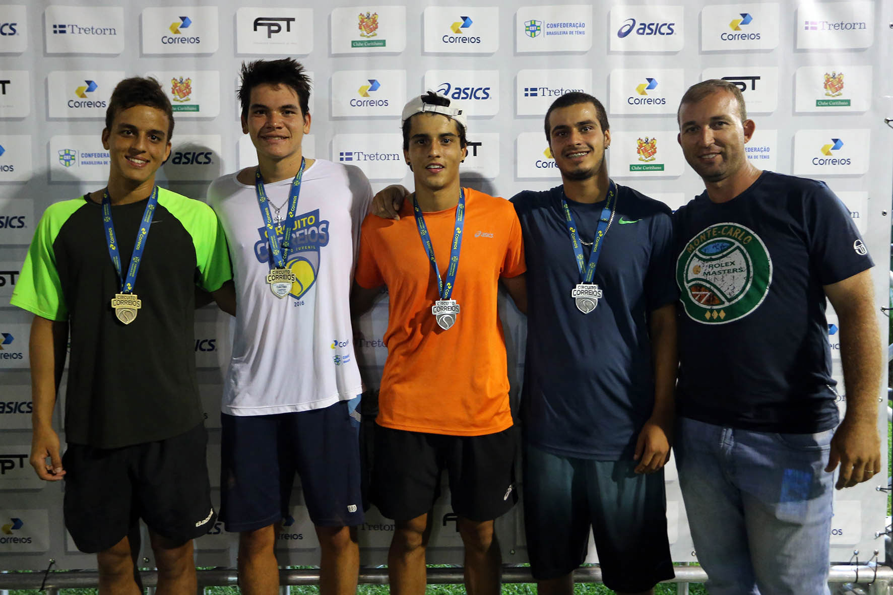 Atletas da Afini Tennis são campeões do Circuito CBT em Curitiba (PR)