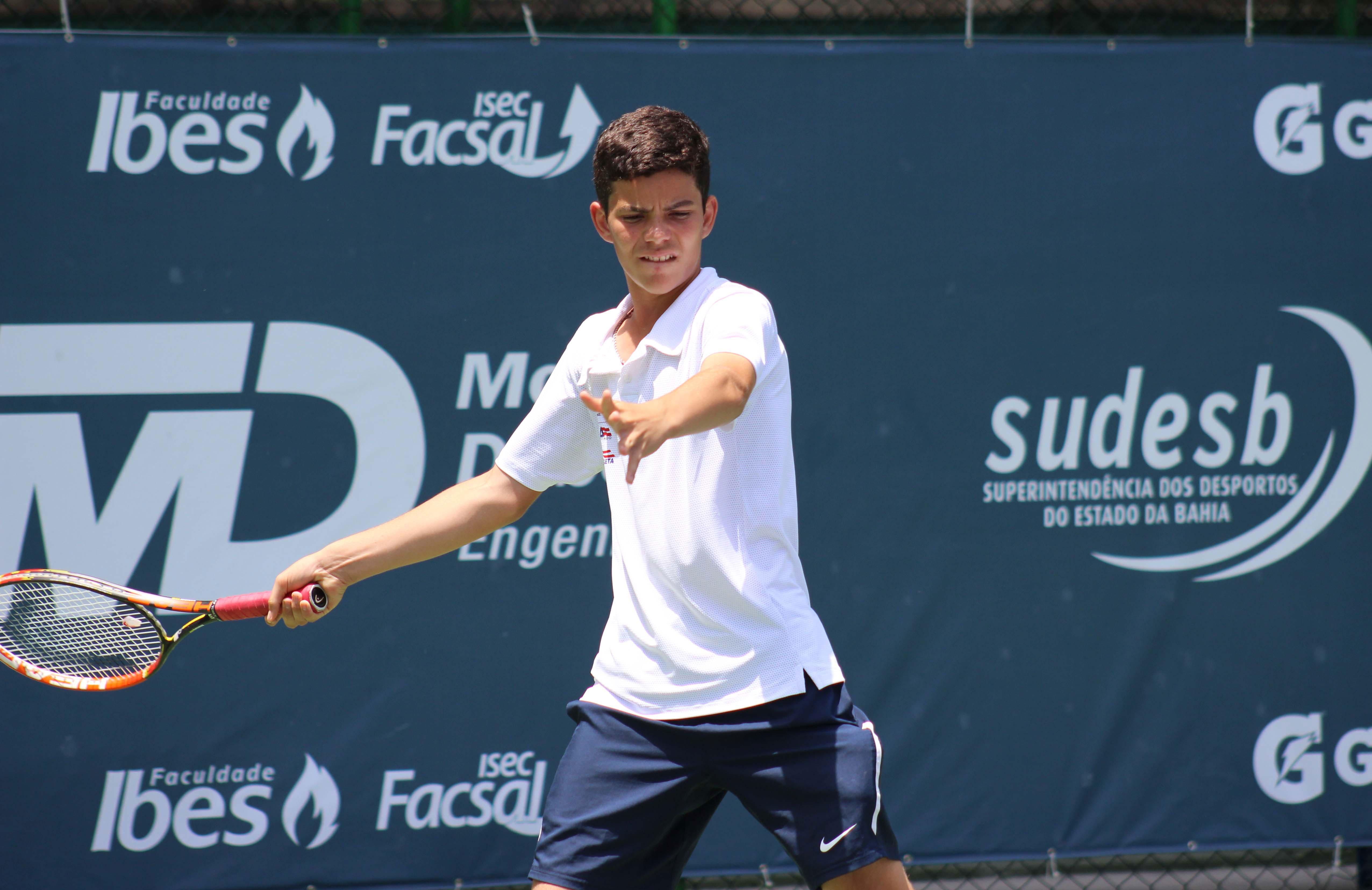 Natan Rodrigues avança no BNP Paribas Cup, em Paris